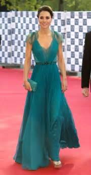 kate middleton dresses kate middleton steps out in best dress since royal wedding tafreeh mela urdu forum