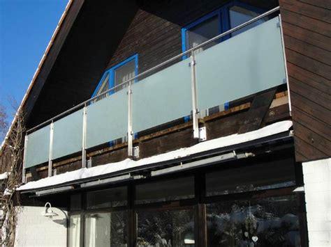 Balkongeländer Aus Glas by Balkongel 228 Nder Aus Edelstahl Satiniertes Glas