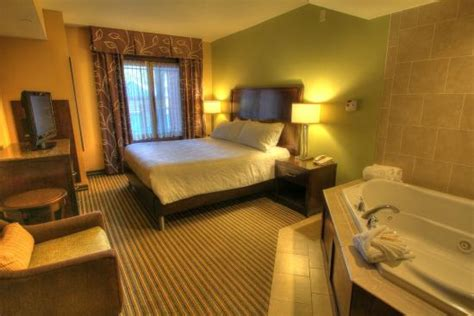 Rooms In Gatlinburg by Guest Room
