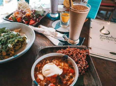 restaurants  ubud  bali food guide fly stay luxe