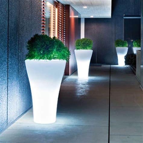 vasi da giardino illuminati vasi da esterno vasi per piante modelli vasi da esterno