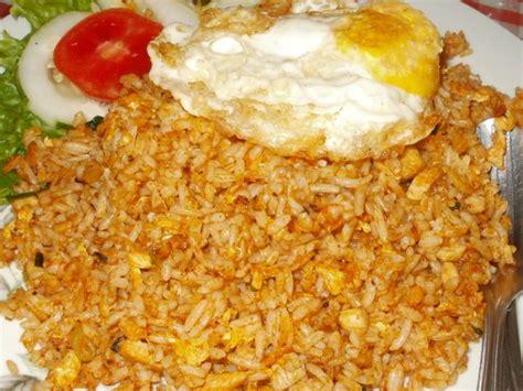 membuat nasi goreng pedas manis resep praktis nasi goreng orak arik telur pedas hidangan
