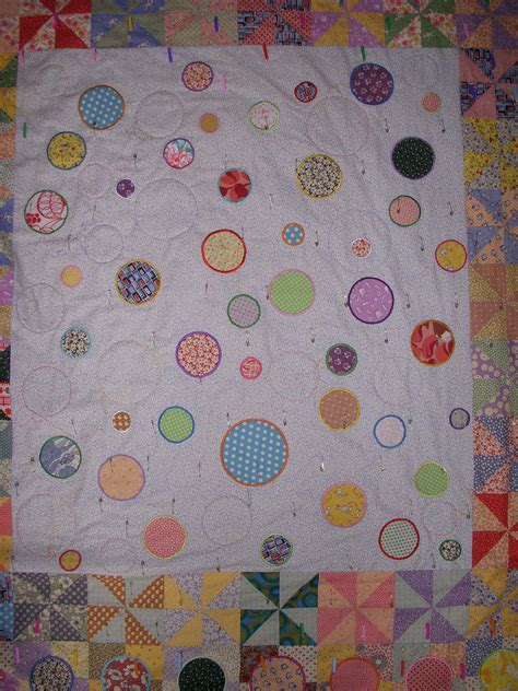 free motion quilting swirls and circles quilt addicts free motion quilting piecefully page 2