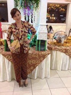 S Cp Batik Prada Tosca Navy 1000 images about kebaya on kebaya baju
