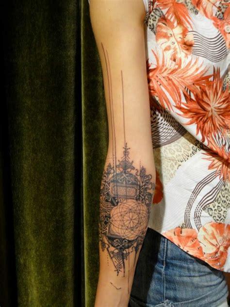 tattoo minimalistisch unterarm tattoo minimalistisch vorlagen abstrakt tattoo