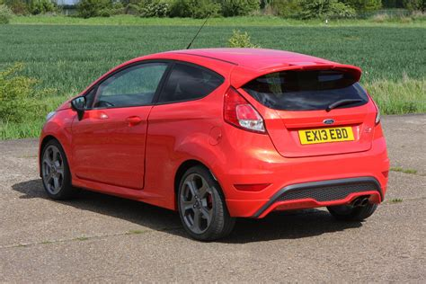 ford fiesta ford fiesta st 2012 photos parkers