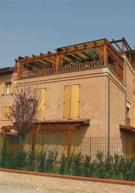 soffitti in legno prezzi casa di cagna travi in legno per soffitto prezzi
