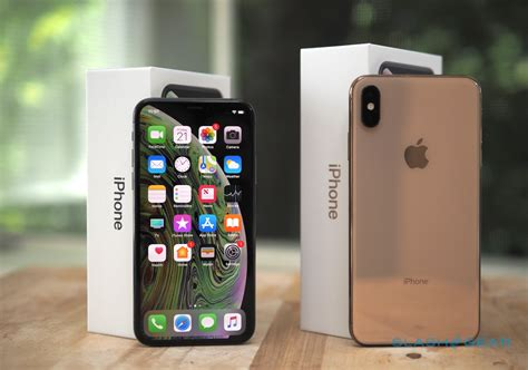 on iphone xs iphone xs and iphone xs max review here comes the future slashgear