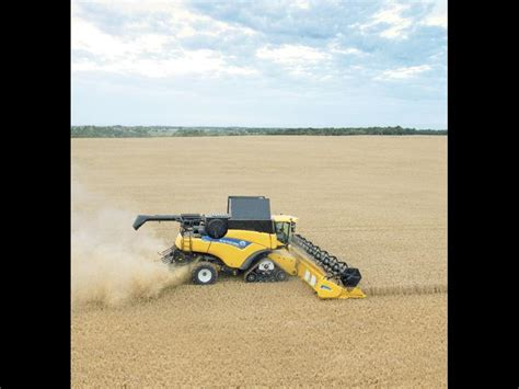 holland cr harvesting combine harvesters engine power  hp specification