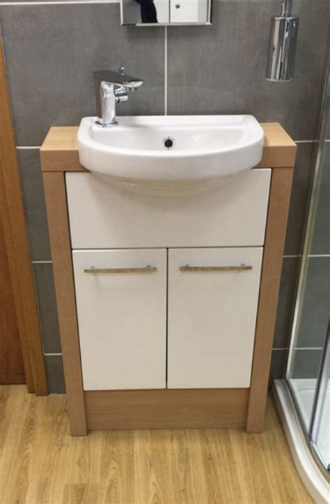 ex display bathrooms for sale uk ex display bathroom offers chesterfield derby grantham