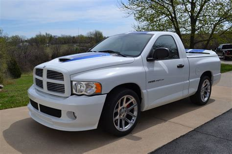 2005 Dodge Ram Srt 10 Commemorative Edition For Sale by Dodge Ram Srt 10 Commemorative Edition Viper Truck 190