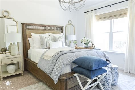 blue guest bedroom one room challenge classic blue and white guest bedroom