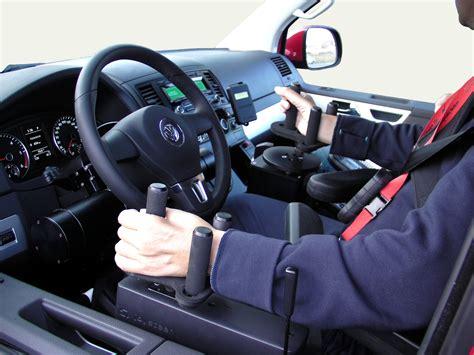 volante per auto volante meccanico e joystick elettronico i nuovi comandi