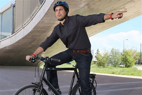 Solar powered wristband for cyclists glows to indicate direction   DamnGeeky