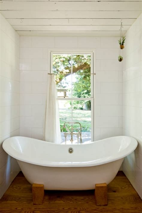 modern bathtubs for small spaces freestanding bathtubs small spaces ideas bathroom