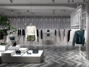 Interior Stores by Best 25 Clothing Store Interior Ideas On