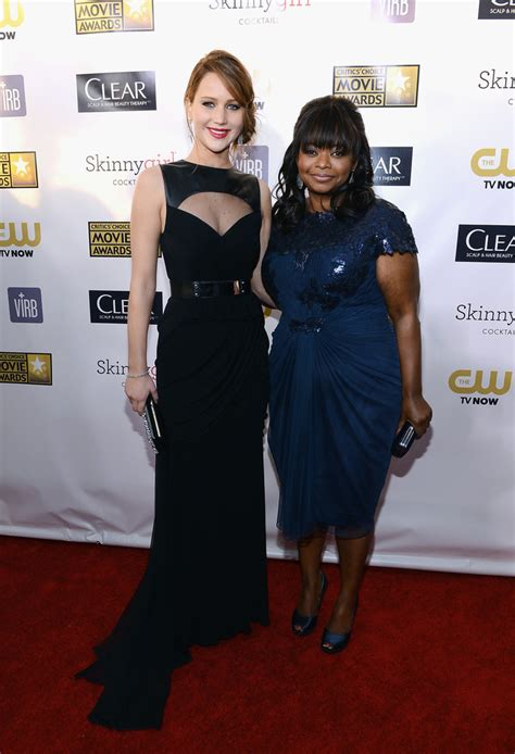 octavia spencer friends she meets up with octavia spencer on the red carpet