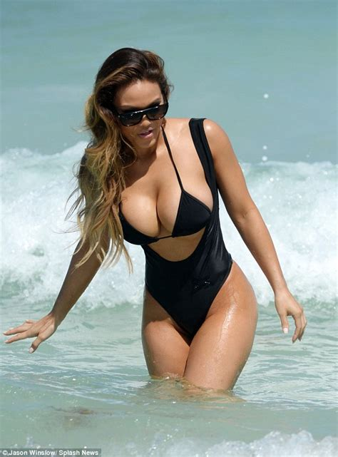 Top Gf 50 cent s ex in two bikinis on miami