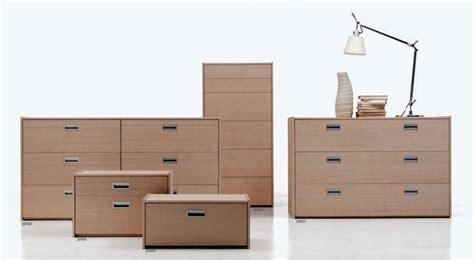 cassettiere e comodini comodini e cassettiere camerette mobili porro