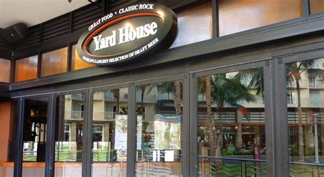 yard house waikiki yard house waikiki hi locations pinterest