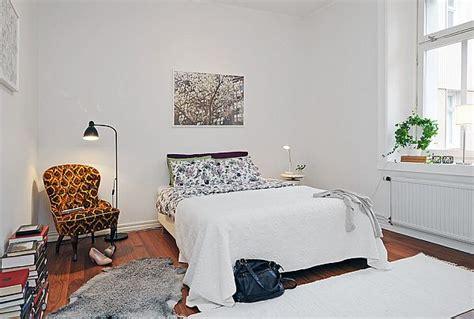 arrange  furniture   bedroom