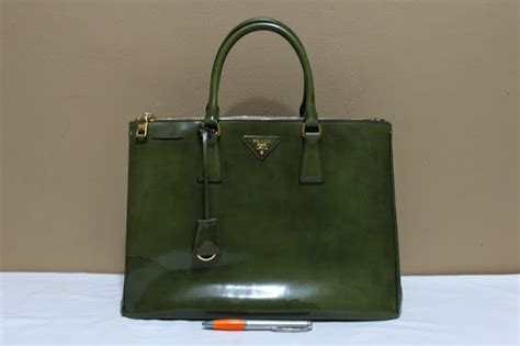Jual Tas Bag Prada Saffiano Ori Leather Mirror 6 wishopp 0811 701 5363 distributor tas branded second tas