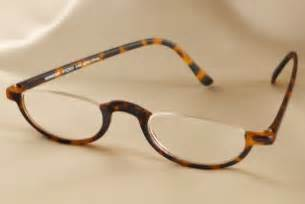 half eye reading glasses in plastic frame i like these