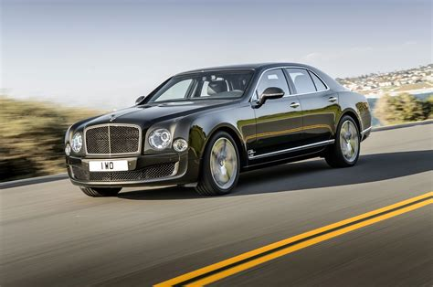 2015 bentley mulsanne speed front side view in motion photo 15