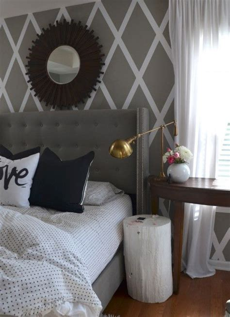 gray accent wall bedroom best 25 coral walls bedroom ideas on pinterest coral