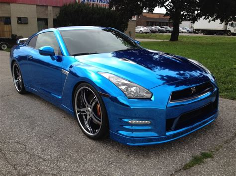 blue nissan gtr nissan gt r wrapped in blue chrome