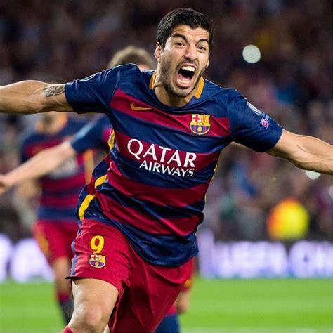 luis suarez tattoo luis suarez shows the matching he got with his