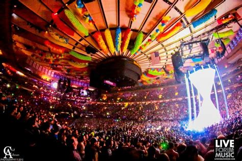 phish new years tickets nyc bartender steals 1 000 worth of phish tickets from