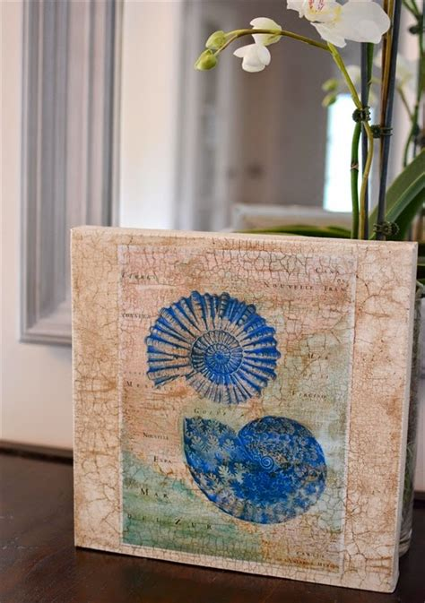 Decoupage Paint - create a simple wall with decoupage chalk paint