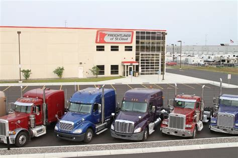 volvo semi truck dealerships freightliner trucks dealers