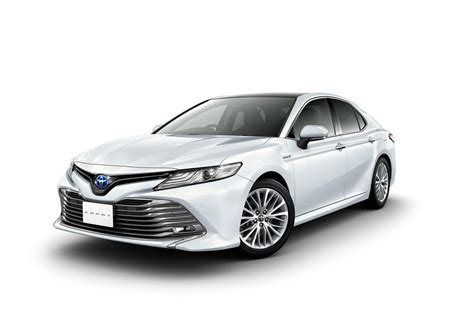 toyota in japan 2018 toyota camry debuts in japan hybrid only auto news