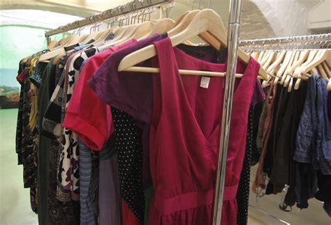 Used Shop Racks File Kledingruil Kledingrek Jpg Wikimedia Commons