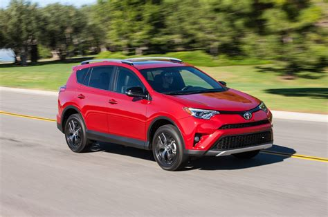 suv toyota 2017 2017 toyota rav4 reviews and rating motor trend