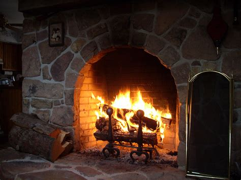 Do Fireplaces Heat A House by How To Heat Your Home Without Electricity Survival
