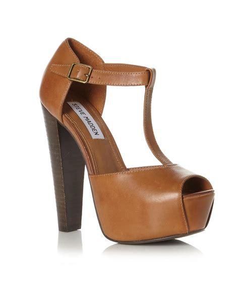 steve madden platform sandals steve madden daquirri sm tbar platform sandals in brown