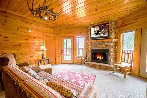 4 bedroom cabins in pigeon forge pigeon forge cabin knotty but nice 4 bedroom sleeps