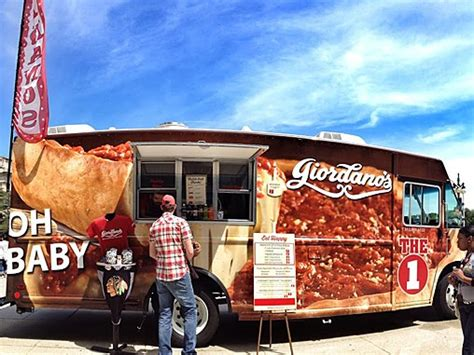 Il chicago giordanos pizza food truck mobile food news
