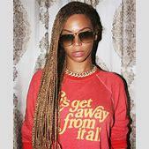 Beyonce's Kne...