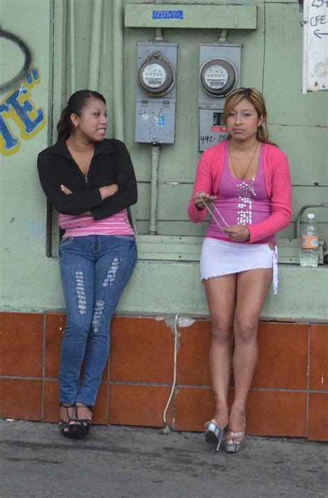 medellin red light district flickr photos tagged standinggirl picssr