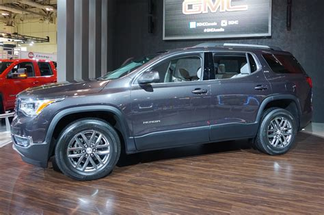 gmc acadia prices 2017 gmc acadia price drops to 29 995 motor trend