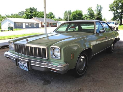 curbside classic 1975 chevrolet chevelle malibu classic
