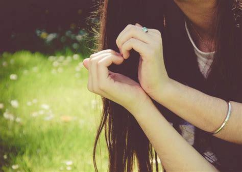 girl boy love heart hand wallpaper hd wallpapers new hd 心形手势图片大全图片
