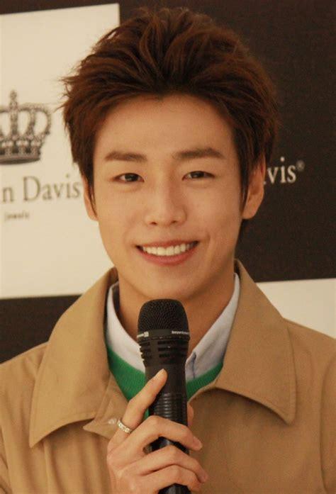 www lee file lee hyun woo at justin davis fansigning in busan 4