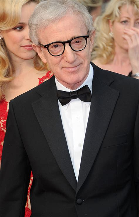 farrow and mã nchen woody allen denies farrow s sexual abuse claims