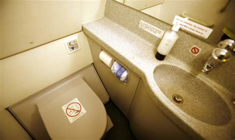 how to use bathroom in flight is ryanair right to charge for toilet trips business