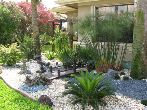 pool landscaping pictures florida
